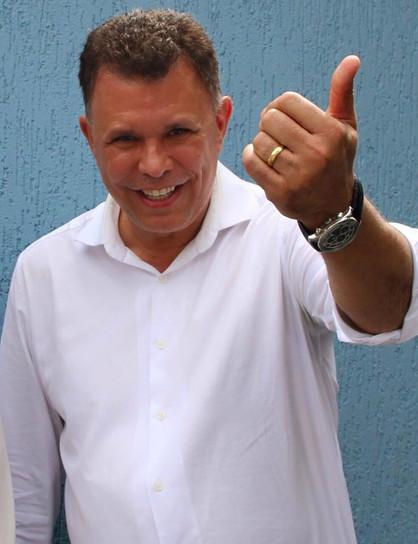 Vereadores rejeitam mais duas denúncias contra o prefeito Dixon Carvalho em sessão ordinária