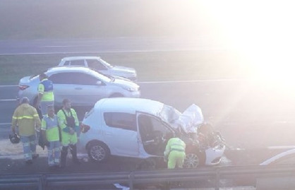 Motorista morre após bater em guard-rail na Rodovia Zeferino Vaz