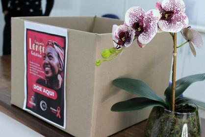 """Campanha para arrecadação de lenços do """"Outubro Rosa"""" têm ponto fixo em Paulínia"""