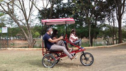 Passeios gratuitos de triciclos na Lagoa do João Aranha começam neste final de semana