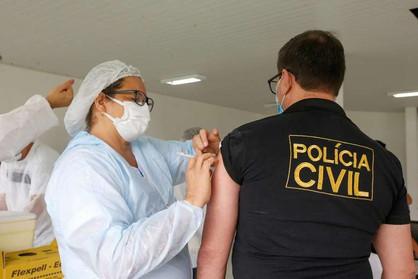Vacinação profissionais da Educação e forças de Segurança Pública será na primeira quinzena de abril