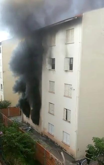 Mulher ateia fogo no próprio apartamento e prédio é interditado em Limeira