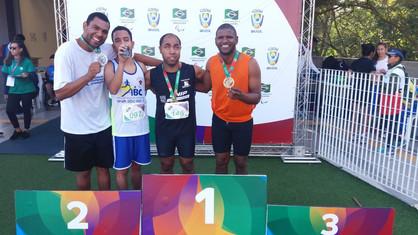 Thiaguinho quebra dois recordes e garante ouro nas Paralímpiadas Universitárias