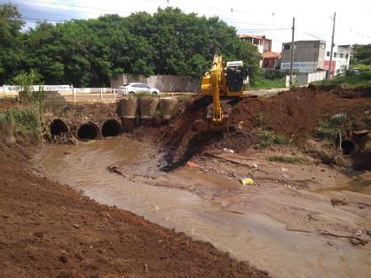 Após ser derrubada por fortes chuvas, ponte do Bom Retiro será reconstruída