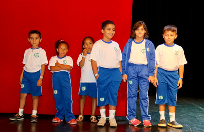 Escolas da Rede Municipal de Ensino passam a entregar uniformes