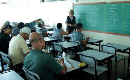 Jovens e Adultos de Paulínia podem voltar a estudar com novas inscrições para a EJA