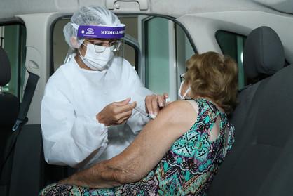 Campanha de Vacinação vai vacinar idosos com 75 a 79 anos na próxima semana