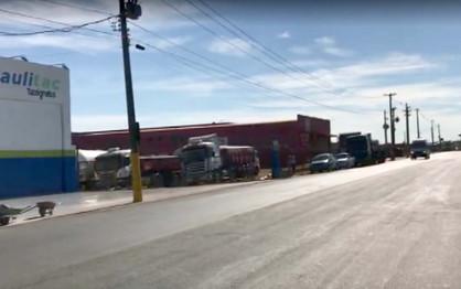 Após 10 dias em greve, caminhoneiros deixam entorno da Replan