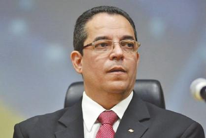 Prefeito Dixon Carvalho nomeia novos secretários municipais