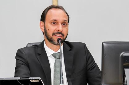 Instabilidade política deixa dúvidas se Cazellato ou Loira comandará a Prefeitura