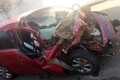 Jovem de 25 anos perde a vida ao colidir na traseira de caminhão