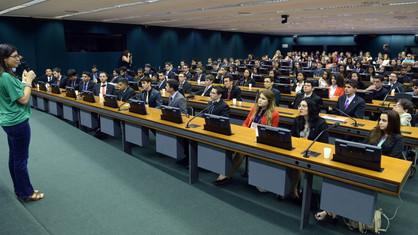 Estudantes da rede estadual podem se inscrever no Parlamento Jovem Brasileiro até 28 de maio