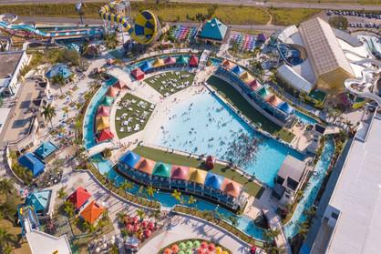 Parque aquático reabre e oferece 80 vagas de empregos para moradores da região