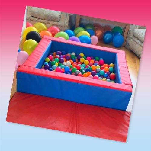 Red & Blue Ball Pond £55