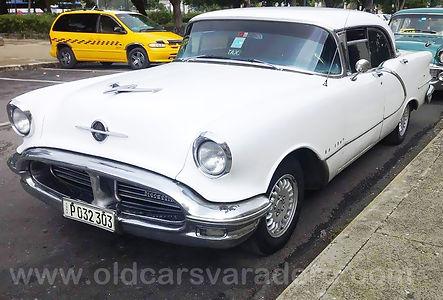 Recorrido en coche clásico en Varadero, oldsmobile