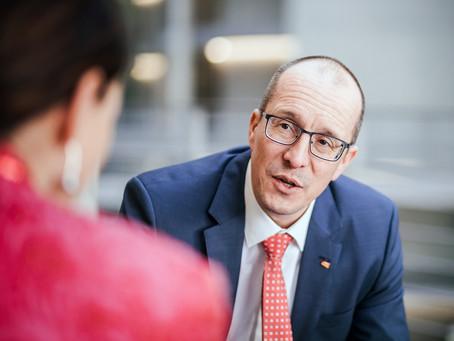 Zoll-Hochschule: Peter Stein wehrt sich gegen Kritik