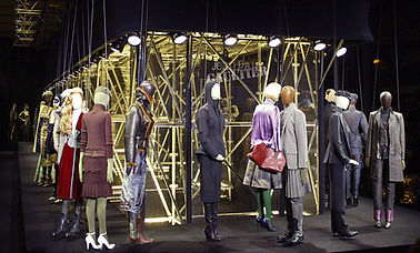 marionnete geante, marionnette echelle 1; marionnette mannequin, defile jean paul gaultier; puppet scale 1; human size puppet