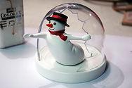 Fabrication boule à neige, snowball maker, boule à neige sur commande, Paris
