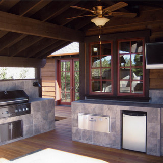 7 Outdoor Kitchen.jpg
