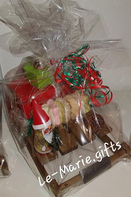 Arreslee met kerstchocolade