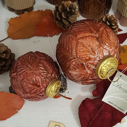Glazen decoratiebal