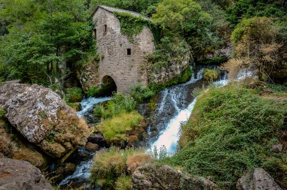 Le moulin de la Foux sur le bord de la Vis - Cévennes