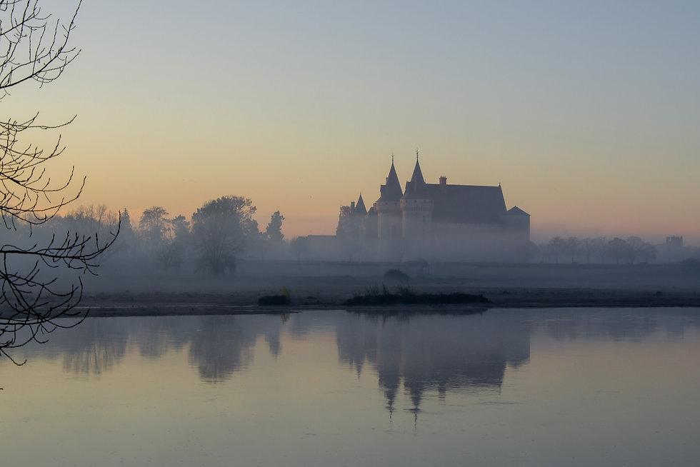 Chateau dans le brouillard