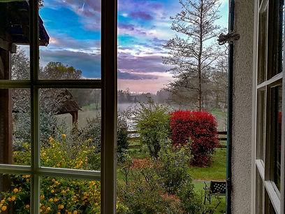 par la fenêtre... de ma chambre.jpg