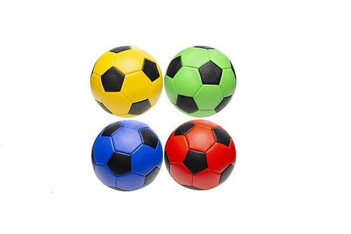 voetbal in 4 kleuren