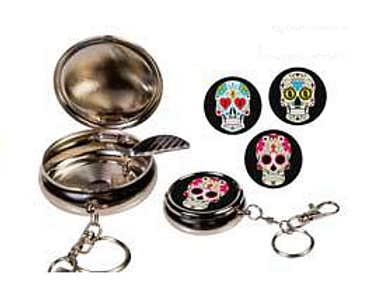 pocket asbak metaal, skull aan sleutelhanger