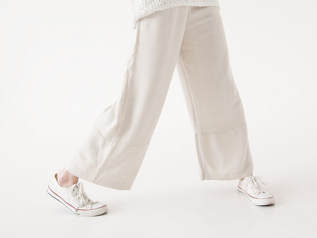 Weiße Modekleidung