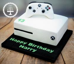 Xbox One Cake & Controller