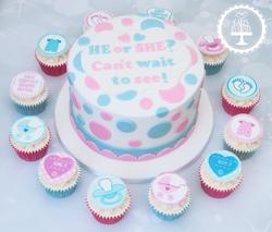 20190825 - Gender Reveal Cake & Cupcakes