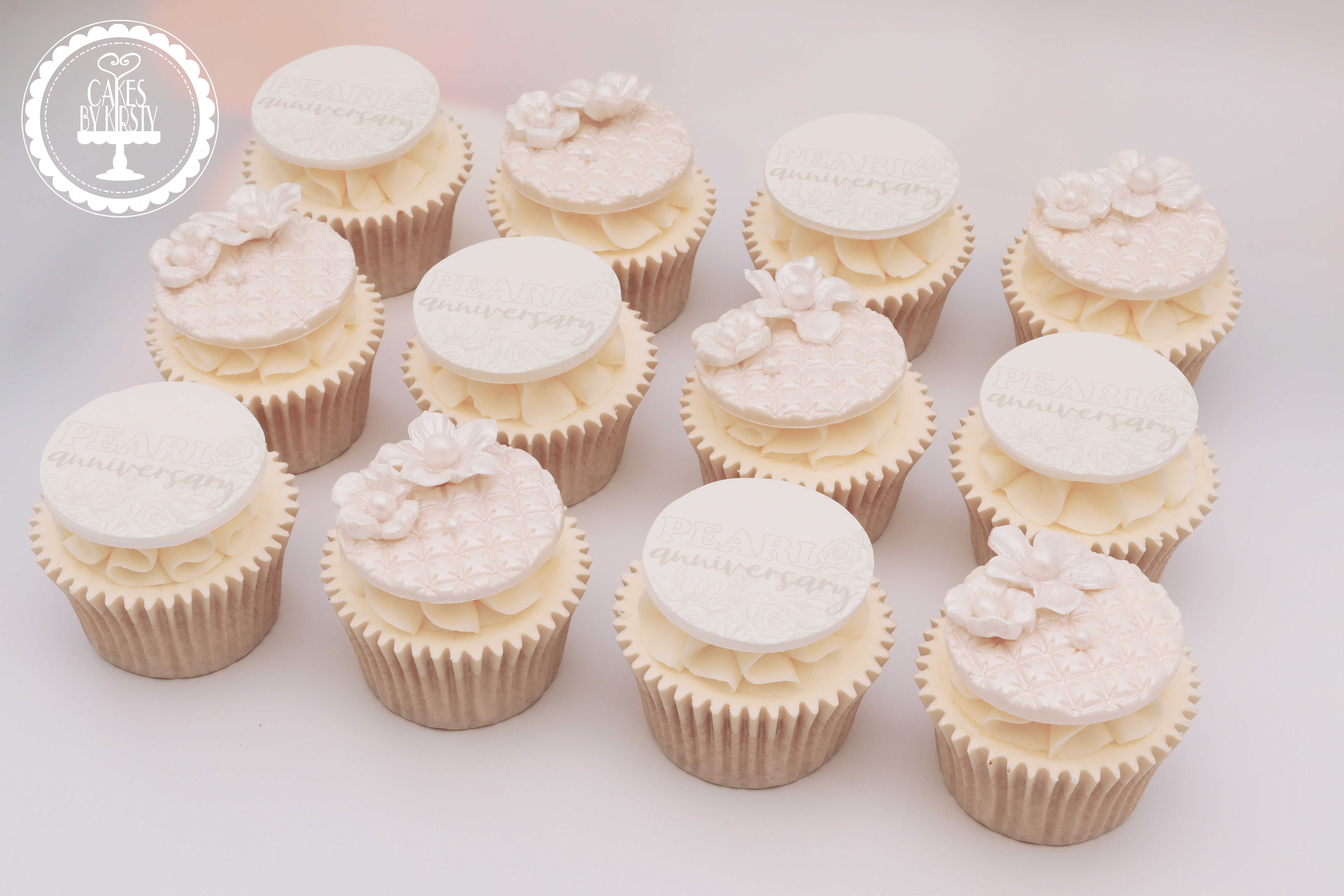 20190802 - Pearl Anniversary Cupcakes