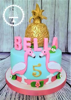 Flamingo & Pineapple Cake