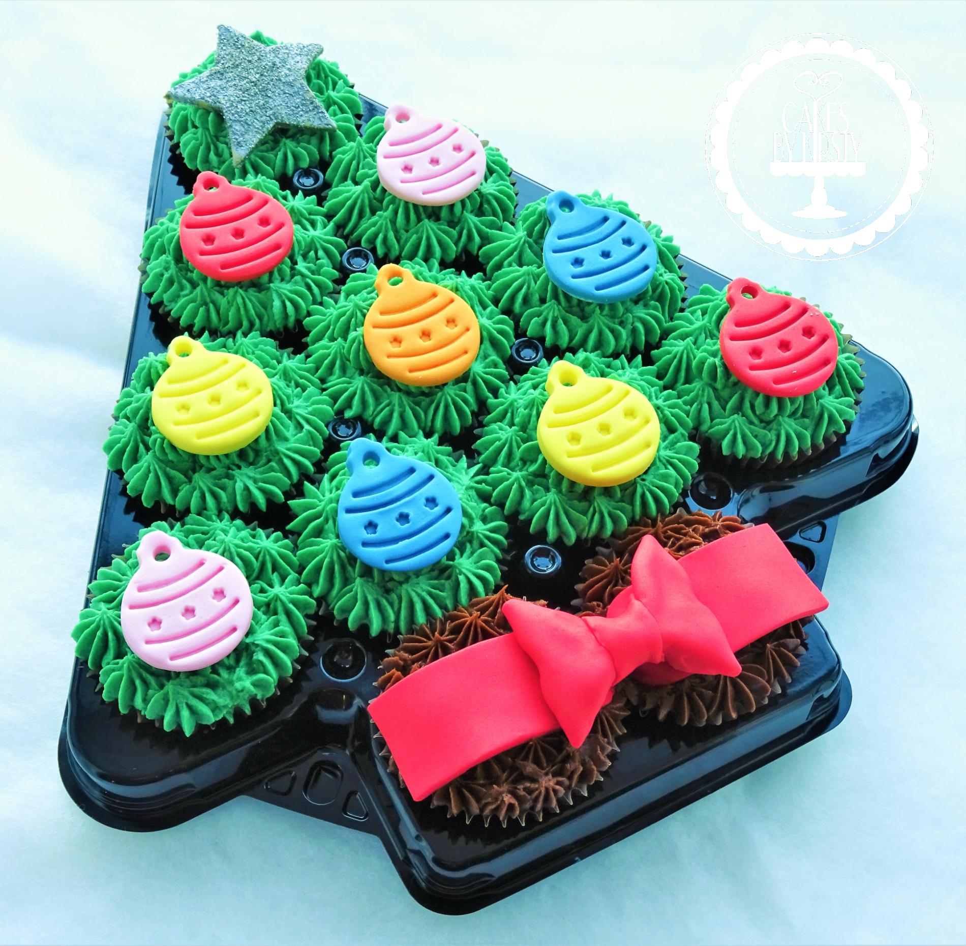 Christmas Tree Platter Cupcakes