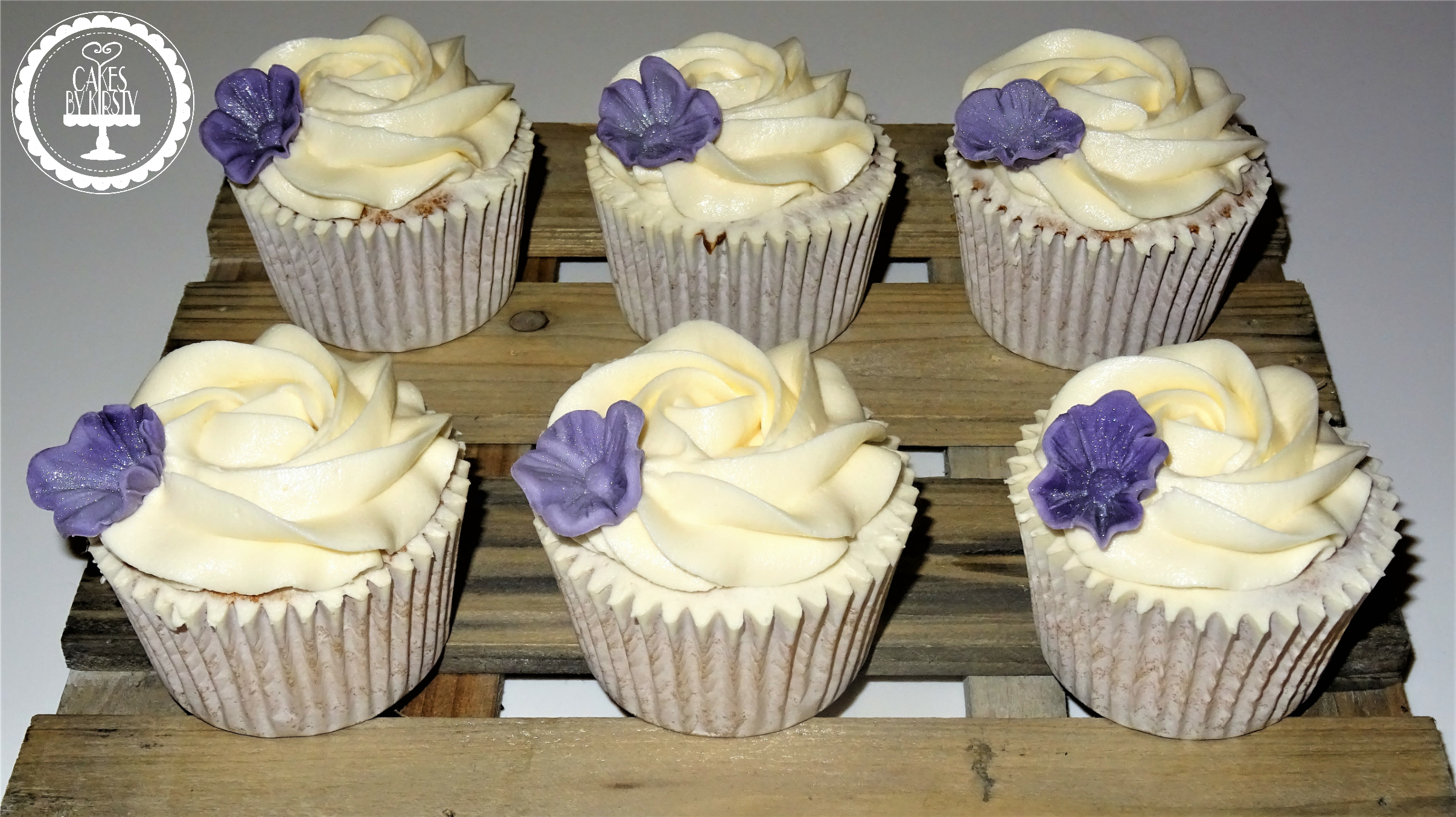 Simple Floral Cupcakes