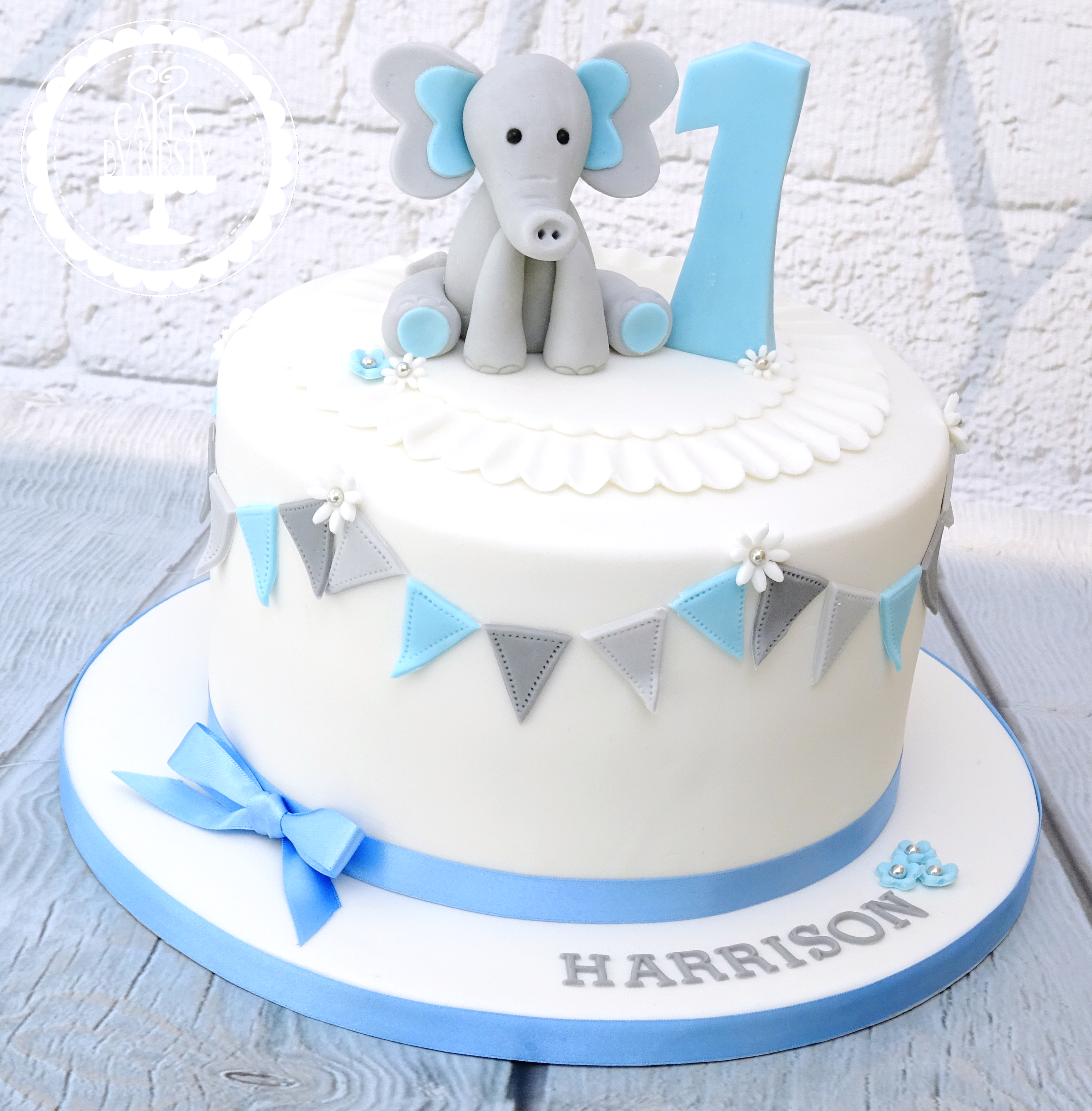 Awe Inspiring Cakes By Kirsty Childrens Cakes Funny Birthday Cards Online Unhofree Goldxyz