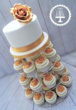 Gold Rose Wedding Cake & Cupcakes