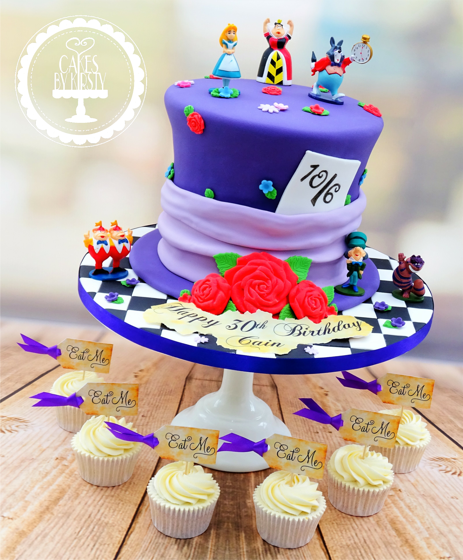Alice In Wonderland Cake & Cupcakes