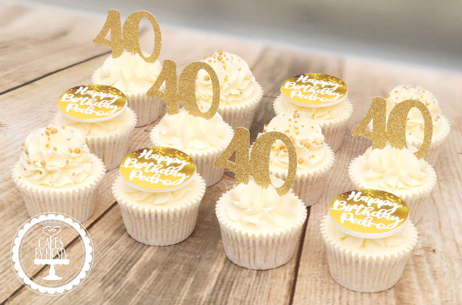 20191116 - Gold 40th Cupcakes