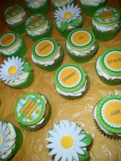 Daisy Hen Do Cupcakes
