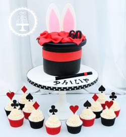 20190825 - Magician Hat Cake & Cupcakes