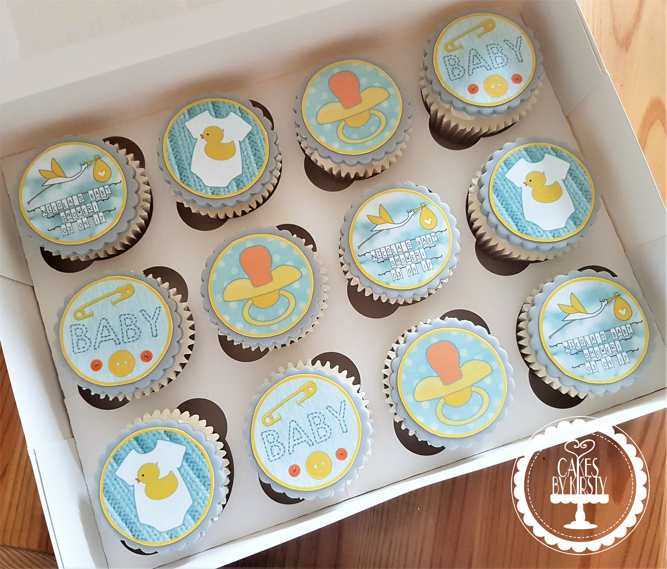 Neautral Baby Shower Cupcakes