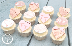 20190927 - Engagement Cupcakes