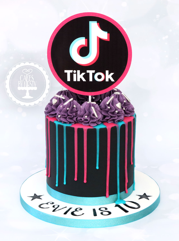 20200925 - Tik Tok Drip Cake