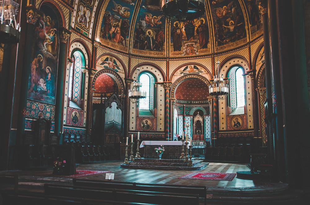 Intérieur de la Cathédrale Saint-Caprais d'Agen baroque roman eglise peinture religion