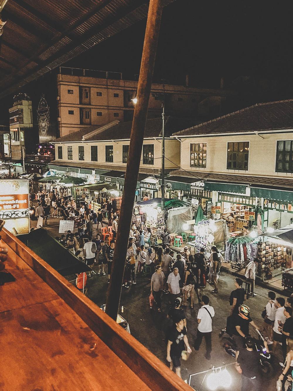 Khao San Road le soir pour un verre