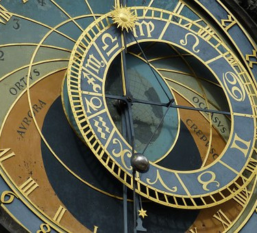 astronomical-clock-226897__340.jpg