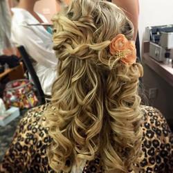 #hairbysarahselby #weddingsbysarahandmaria #bridalhair #weddingupdo #bridesmaidhair